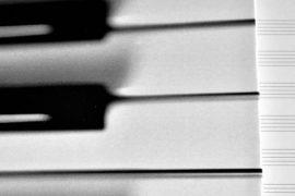 Hojas pentagramadas en blanco - La nueva Bagatela